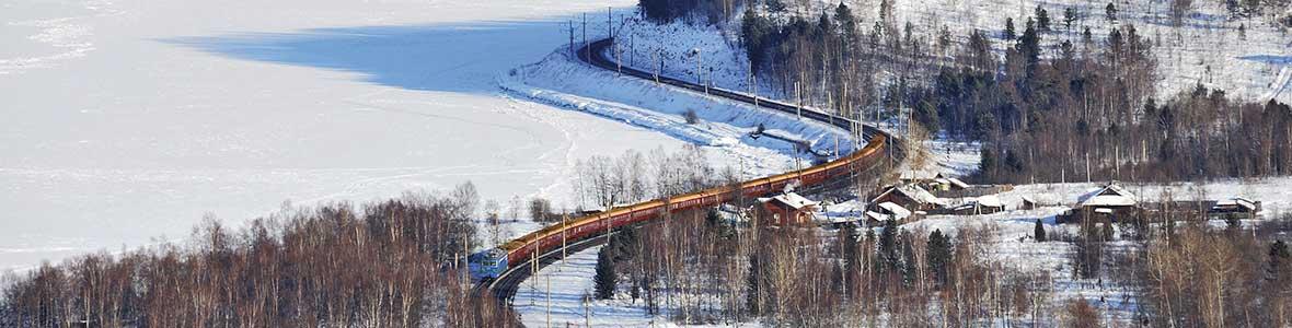 Transsibirische Eisenbahn im Winter